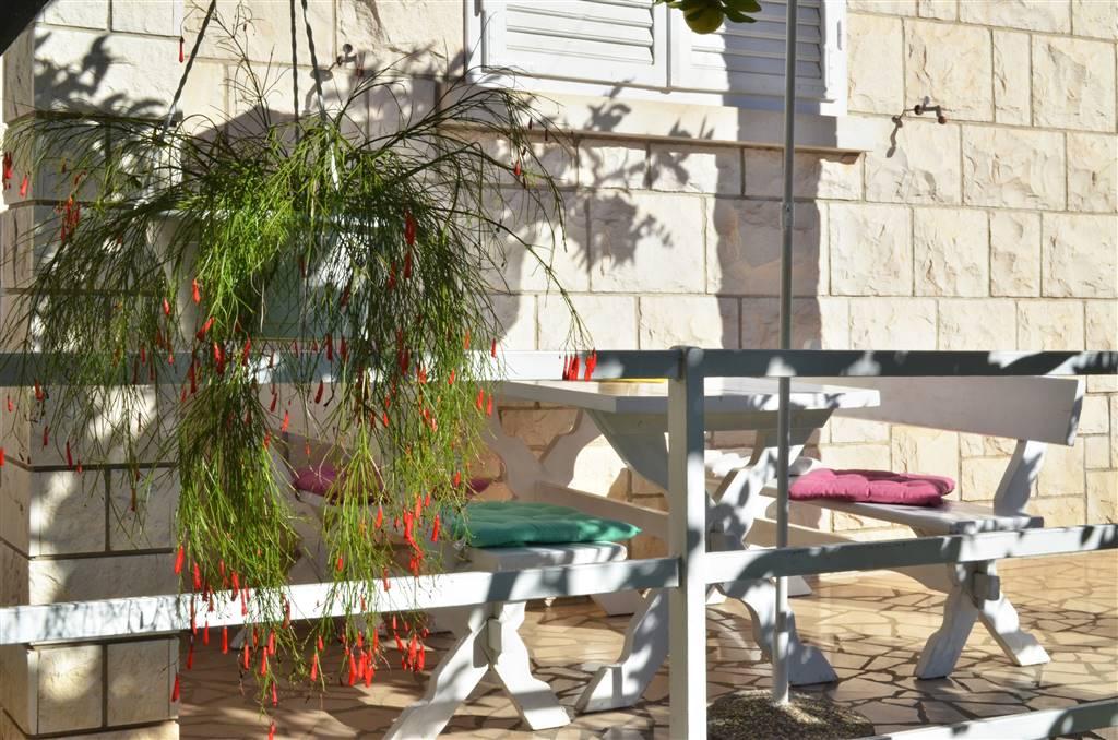 peljesac-orebic-apartments-zora-garden-02