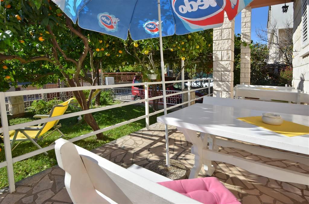 peljesac-orebic-apartments-zora-garden-06