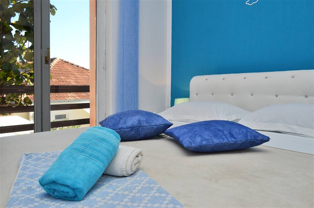 zora-apartment2-bedroom-04