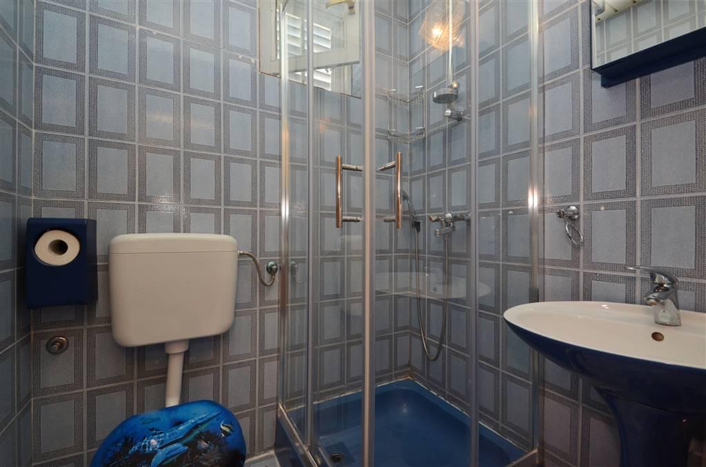 zora-apartment3-bathroom-01