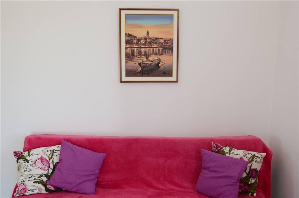 zora-apartment3-livingroom-03